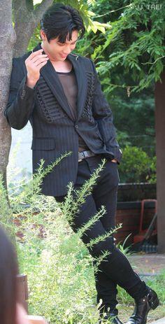 Male Models, Kpop, Suits, Men, Fashion, Men Models, Moda, Fashion Styles, Suit