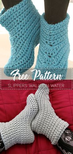 Slippers Walk on Water – Pattern Free – Easy Crochet Slippers Walk on Water – Pattern Free Slippers Walk on Water – Pattern Free Pattern Diy Crochet Slippers, Easy Crochet Socks, Knit Slippers Free Pattern, Crochet Sock Pattern Free, Crochet Mitts, Crochet Slipper Boots, Crochet Simple, Crochet Shoes, Easy Crochet Patterns