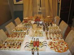 Come organizzare una cena a buffet in casa, Terry Tanti Antipasto, Dessert Table, A Table, Tapas, Catering, Appetizer Recipes, Appetizers, New Years Dinner, Decadent Cakes
