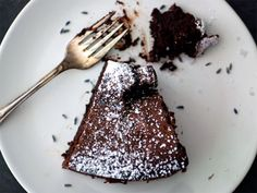 Lavender-Earl Grey Flourless Chocolate Cake
