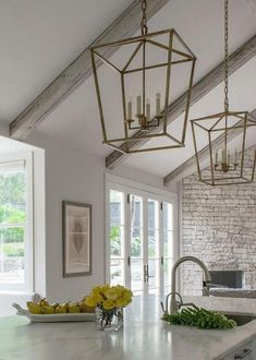 Kitchen Lighting Remodel Remodeled White Kitchen with Vaulted Ceiling Beams - Home Bunch - An Interior… - Vaulted Ceiling Kitchen, Vaulted Ceiling Lighting, Ceiling Beams, Vaulted Ceilings, Luxury Interior Design, Interior Design Kitchen, Interior Livingroom, Home Decor Kitchen, Kitchen Lighting