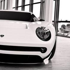 Lamborghini Miura concept via carhoots.com