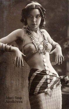 Vintage circus ladies part 2 - Album on Imgur