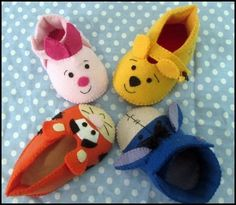 turminha toda do pooh reunida  sapatinhos de bebe