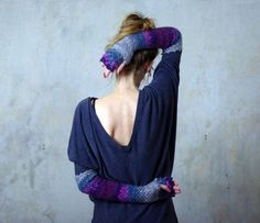 カラフルなウロコを編み込んだドラゴン手袋