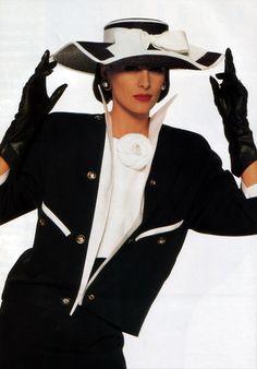 Inès de la Fressange for Chanel 1987 Only Fashion, 80s Fashion, White Fashion, French Fashion, Fashion History, Fashion Photo, Fashion Models, Vintage Fashion, Womens Fashion