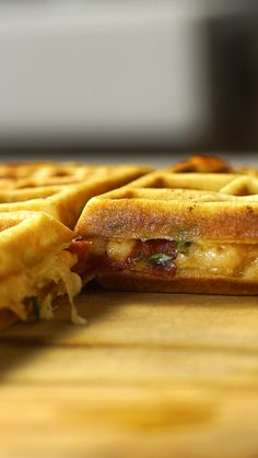 Pizza Waffle Pizza waflle or Waflle flavored pizza? With one name or another, what matters is that it is delicious! I Love Food, Good Food, Yummy Food, Easy Cooking, Cooking Recipes, Cooking Box, Cooking Eggs, Cooking Games, Asian Cooking