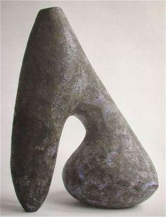G - Valentine Schlegel 1955 Rock Sculpture, Sculptures Céramiques, Pottery Sculpture, Abstract Sculpture, Ceramic Vase, Ceramic Pottery, Coiled Pottery, Pottery Art, Paperclay