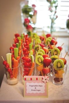 Fruit tray ideas birthday veggie cups ideas - Fruit - Everything with Fruit - Snacks Für Party, Appetizers For Party, Appetizer Recipes, Tostada Recipes, Breakfast Appetizers, Dessert Recipes, Veggie Cups, Vegetable Dips, Diy Dessert