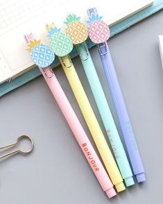 Juice up your notes with our Colorful Pineapple Gel Pens. With their lovely pastel color barrels they will brighten up every pencil case. Stationary School, Cute Stationary, Pineapple Pen, Kawaii Pens, Pen Shop, Cute Pens, Gel Ink Pens, Cute Notebooks, Cute School Supplies