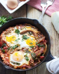 Tried out a kickboxing class via @classpass today and loved it! Now it's time for BREAKFAST! Recipe http://lexiscleankitchen.com/2014/07/16/shakshuka/ Classpass: http://classp.as/lexiscleankitchen #lexiscleankitchen #eeeeeats #eatclean #paleo #justeatrealfood #igers #feedfeed #f52grams #nytcooking #yahoofood #todayfood #buzzfeast #bonappetit #photooftheday #breakfast