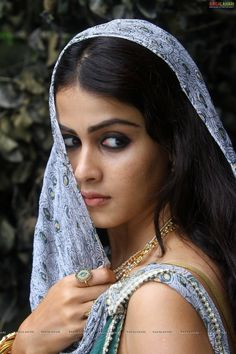 Indian film actresses hot and sexy photos: Genelia Photos From Movie Urumi Indian Film Actress, South Indian Actress, Beautiful Indian Actress, Beautiful Actresses, Indian Actresses, South Actress, Beauty Full Girl, Cute Beauty, Beauty Women