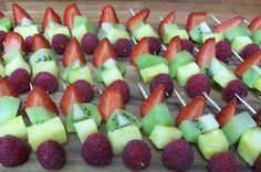 Värikkäät vappuvartaat. Finnish Recipes, Fruit Salad, Food, Fruit Salads, Meals