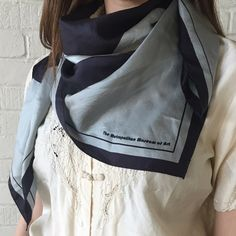 The Metropolitan Museum of Art Scarf Scarf - Perfect Condition Vintage Accessories Scarves & Wraps