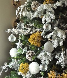 A natural gold,galvanized and white Christmas tree decorating idea - Jennifer Rizzo