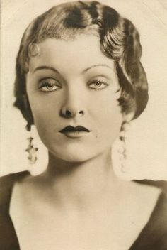 Myrna Loy. To me, the ultimate face of the 1930s.