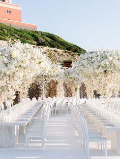 An All-White Wedding in Capri - Luxus-deko All White Wedding, White Wedding Flowers, Star Wedding, Dream Wedding, White Weddings, Perfect Wedding, Barn Weddings, Destination Weddings, Romantic Weddings