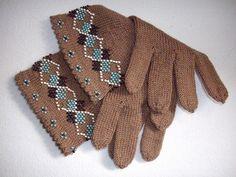 Ravelry: LeTissier's Classic Argyle Beaded Dress Gloves