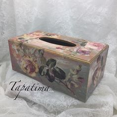 Decoupage by Pathimacraft. Decoupage Tutorial, Decoupage Box, Tissue Box Covers, Tissue Boxes, Kleenex Box, Painting On Wood, Decorative Boxes, Shabby Chic, Cottage