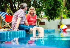 Most up-to-date Cost-Free backyard pool aesthetic Concepts : Constructing a pool in the back garden can be quite a enjoyable experience. It is really each and every homeowner's d Swimming Pool Repair, Swimming Pool Fountains, Garden Swimming Pool, Fiberglass Swimming Pools, Backyard Swings, Backyard Trees, Backyard Playground, Ponds Backyard, Brisbane