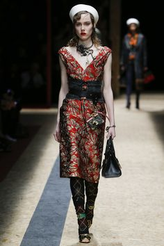 Prada Fall 2016 Ready-to-Wear Fashion Show  http://www.theclosetfeminist.ca/  http://www.vogue.com/fashion-shows/fall-2016-ready-to-wear/prada/slideshow/collection#8