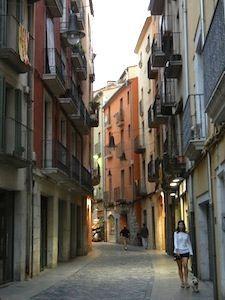 Nomadic Matt: the streets of girona in costa brava, spain