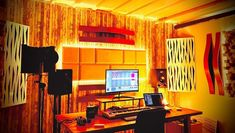 musicianlifeofficial_58408911_163153524701481_2047951874511116305_n @musicianlifeofficial #devenirbeatmaker #homestudio #hardware #beatmaker #beatmaking #compositeur #musicproducer #productionmusicale #musicproduction #audio #studiotour #producerdesk #bedroomproducers Home Studio, Beats, Audio, Hardware, Welcome Gifts, Teacher Tools, House Studio, Computer Hardware