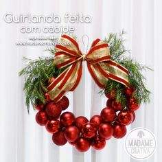 How to make Christmas wreath with a hanger - Tips and step by step with photos - How to Make a Wreath with a hanger and Xmas balls - DIY - Tutorial - Madame Creative - www.madamecriativa.com.br