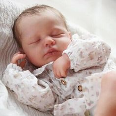 Baby Doll Toys, Reborn Baby Dolls, Diy Doll Kit, Wiedergeborene Babys, Baby Pop, Silicone Reborn Babies, Realistic Baby Dolls, Cool Baby Stuff, Handmade Baby