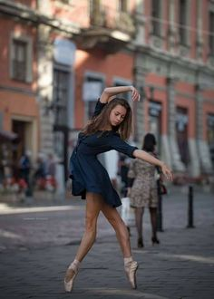 Dance In The City by Andrey Stanko - Photo 173123853 / Ballerina Photography, Dance Photography Poses, Dance Poses, Street Dance, Street Ballet, Art Ballet, Ballet Dancers, Ballerinas, Ballerina Dancing