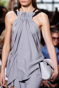 New york fashion 137008013651307610 - Jason Wu at New York Fashion Week Spring 2018 – Details Runway Photos Source by jeanpaulhaure New York Fashion, Runway Fashion, Fashion Show, Womens Fashion, Fashion Trends, Fashion 2018, Fashion Tips, Jason Wu, Vetement Fashion