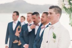 Destination Wedding na praia em Costa Rica Stella York, Beach Club, Costa Rica, Ems, Destination Wedding, Groom And Groomsmen, Lapels, Wedding On The Beach, Outdoors