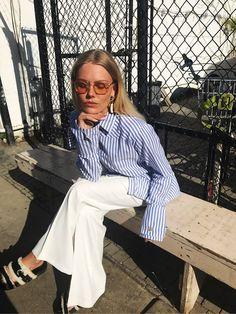 Mit navn er Freja og jeg er 20 år gammel. Til dagligt arbejder jeg som blogger og model hos Scoop Models. Denne blog skildrer mit liv og hverdag. Dette er mit frirum uden faste rammer, men med et hovedfokus på personligstil og mode. Jeg har også en stor interesse for design, kultur og skæve eksistenser, hvilket også kommer til udtryk.