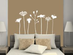 Mit dem Wandtattoo Verspielte Wiesen Blumen kannst Du Deine Wand kreativ…