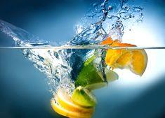 Voda s citronem patří mezi velice oblíbené a osvěžující nápoje. Věděli jste ale, že tato kombinace je harmonickou hudbou pro vaše zdraví?