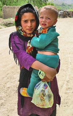 Afghanistan | © Hoodsie DeQuincey, via Flickr. Greek Tragedy, Coat Of Many Colors, Beauty Around The World, Central Asia, Mother And Child, World Cultures, Afghanistan, Photo Art, Asian Kids