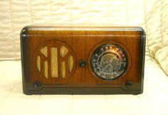 Old Antique Wood Admiral Vintage Tube Radio -Restored Working Art Deco Table Top