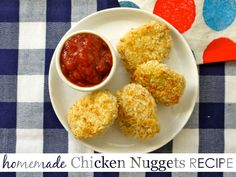 Homemade Chicken Nuggets Recipe - {click through for 4 more easy homemade frozen dinners!}