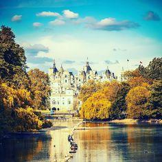 Lovely morning  #London #blue #marektingonline #socialmediaexpert