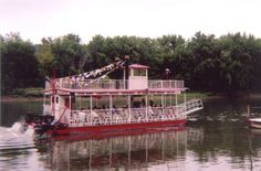 Belle of the Rock - Tour Boat - Starved Rock State Park - Illinois - Canoes