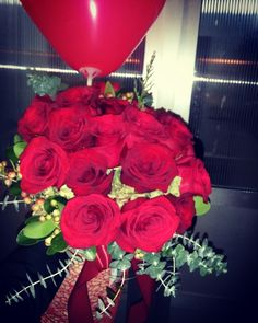 Naš buket ruža i balon na dostavi... #dostavacvijeca #internetcvjecarnica