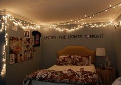 66 Inspiring ideas for Christmas lights in the bedroom @Duda di Pietro Malerba se liga nesse quarto