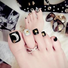 Black Sliver Moon & Star Fake Toe Nails – Fake Nail Store You are in the right place about nail neon Pretty Toe Nails, Cute Toe Nails, Pretty Toes, My Nails, Pedicure Nail Art, Toe Nail Art, Black Pedicure, Feet Nail Design, Toe Nail Designs