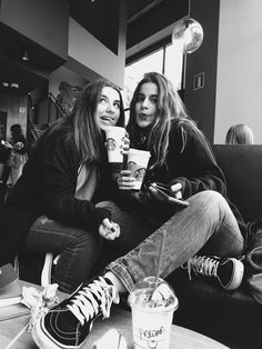 Friends + coffee = good photos