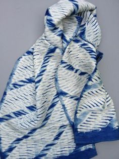 Shibori scarf, diagonal design   Clothroads