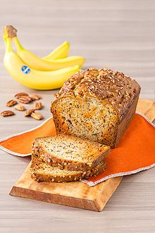 This moist and tender banana loaf is swirled with pumpkin pie filling and topped with crunchy pecans for the ultimate afternoon snack. Loaf Recipes, Banana Bread Recipes, Pumpkin Recipes, Fall Recipes, Delicious Recipes, Holiday Recipes, Snack Recipes, Healthy Recipes, Snacks