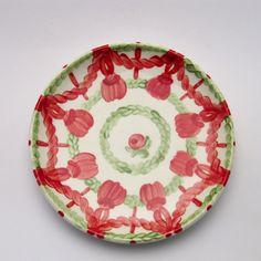 vincentia Decorative Plates, Tableware, Design, Home Decor, Red, Green, Dishes, Dinnerware, Interior Design