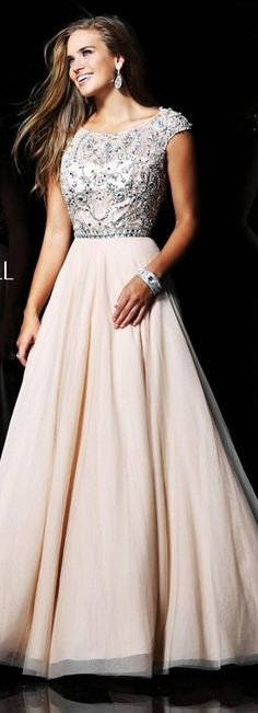 Take a look at the best lds modest dresses in the photos below and get ideas for your own outfits! Strapless Prom Dresses, Modest Dresses, Dance Dresses, Homecoming Dresses, Dress Prom, Modest Formal Dresses, Buy Dress, Dress Long, Trendy Dresses