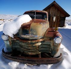 Chevy – Rat of snow! Source by andreehilmarche Old Pickup Trucks, Chevy Trucks, 1949 Chevy Truck, Farm Trucks, Rat Rods, Pompe A Essence, Rust In Peace, Rusty Cars, Abandoned Cars