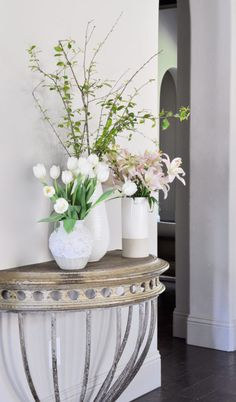 Welcome! Today I will be sharing my entry hall for our Styled for Spring Home Tour. I have joined 12 other bloggers who will be sharing their homes, inspiration, and their spring decorating ideas. You can find links for all of these talented ladies at the bottom of this post. If you're coming from Thistlewood …